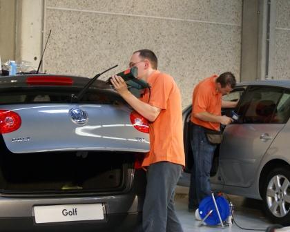 Savoir faire technicien automobile, Confort Glass à Sathonay-Camp, Lyon, savoir faire vitres teintées
