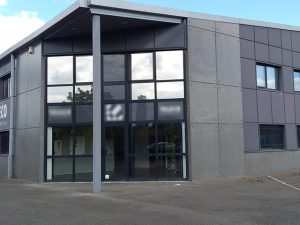 Bâtiment, film vitrage contrôle solaire, Confort Glass Sathonay-Camp, Lyon