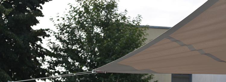 Toile tendue, voile d'ombrage au Groupe scolaire de Collonges-au-Mont-d'Or, Confort Glass Caluire, Lyon