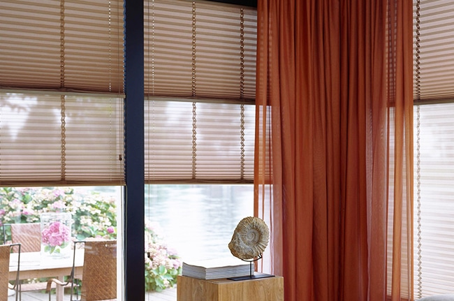 Stores toiles plissés, Confort Glass bâtiment, Sathonay-Camp, Lyon