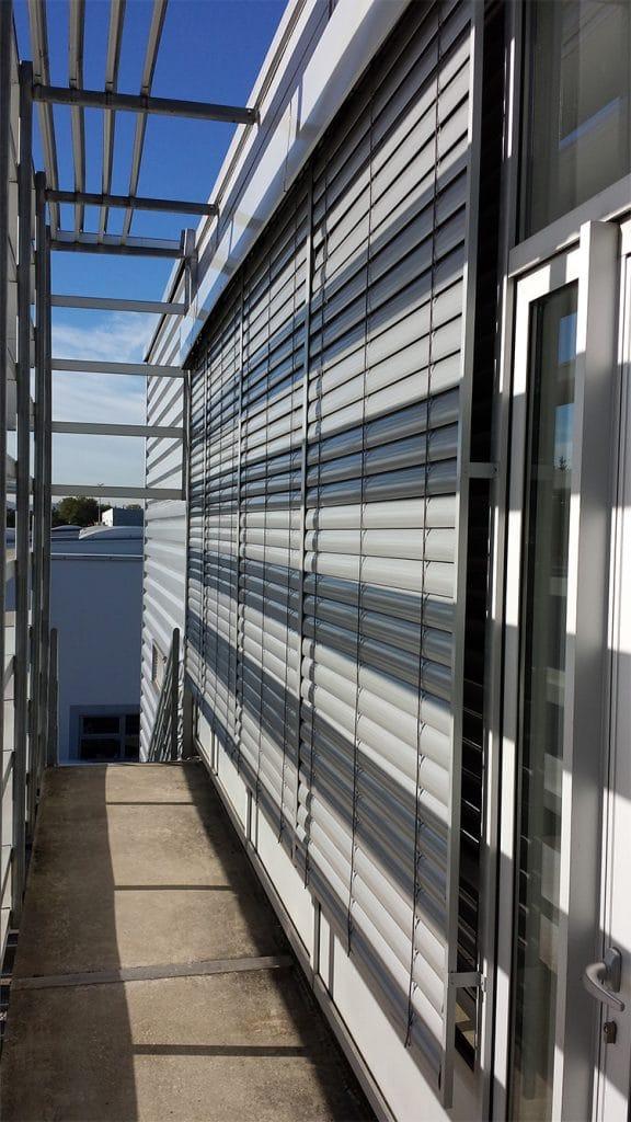 Brise soleil orientable, BSO, Confort Glass Bâtiment, Sathonay-Camp, Lyon, région Rhône-Alpes