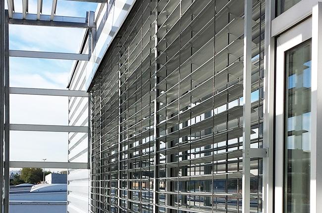 Brise soleil orientable, BSO, Confort Glass Bâtiment, Caluire, Lyon, région Rhône-Alpes