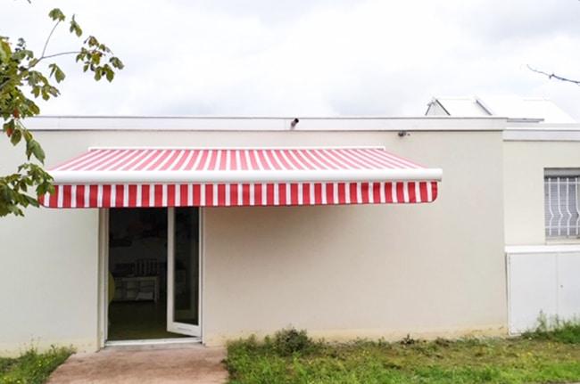 Pose de store banne, Confort Glass Bâtiment, Sathonay-Camp, Lyon, région Rhône-Alpes