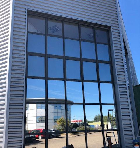 Film solaire façade, Silver 20 OSW, Confort Glass Bâtiment, Sathonay-Camp, Lyon, région Rhône-Alpes