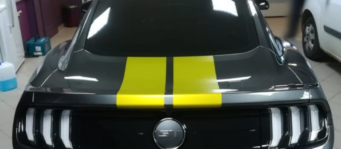 Covering bandes Ford Mustang, arrière automobile, Car-wrapping, Confort Glass Sathonay-Camp, Lyon