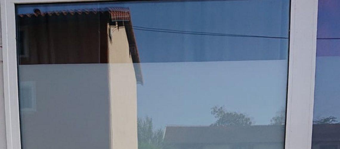 Pose de film dépoli sur vitrage, Confort Glass Bâtiment, Sathonay-Camp, Lyon