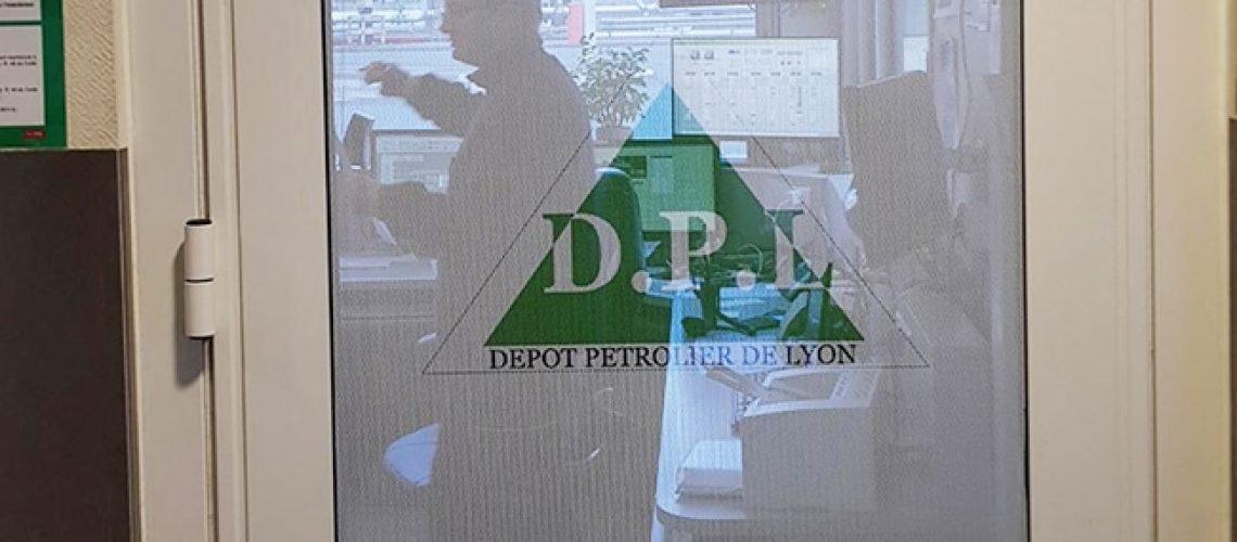 Dépoli et micro-perforé DPL porte, Bâtiment, Caluire, Lyon, Film pour vitrage dépoli