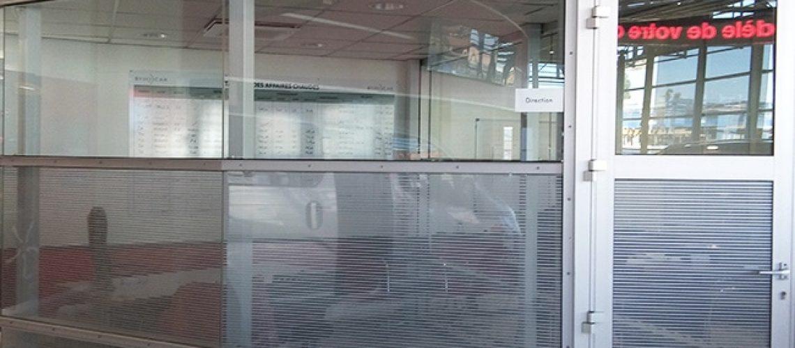 Film dépoli rayures, Confort Glass Bâtiment, Caluire, Lyon, région Rhône-Alpes