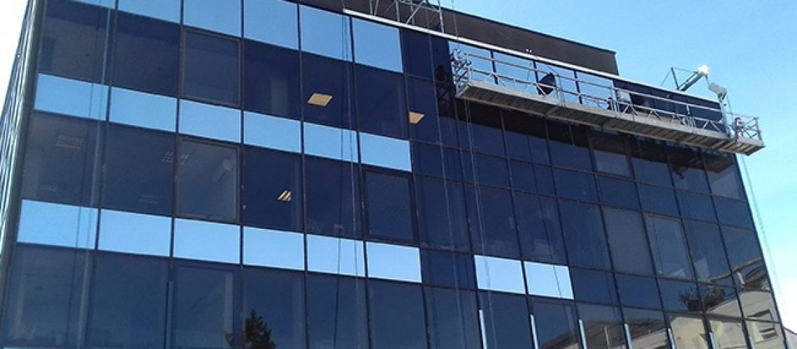 Film solaire sur façade, Silver 20 OSW, Confort Glass Bâtiment, Sathonay-Camp, Lyon, région Rhône-Alpes