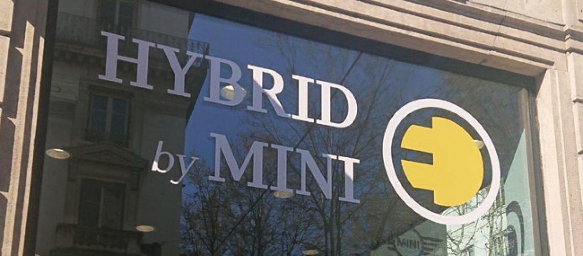 Hybrid by Mini, marquage adhésif vitrine, Confort Glass Bâtiment, Caluire, Lyon